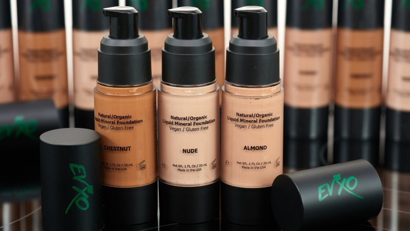 The Difference that Liquid Mineral Makeup Makes