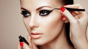 Celebrity Eye Makeup Tips to Upgrade Your Look