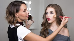 Build a Career By Learning How to Apply Makeup Professionally