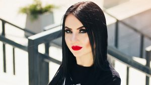 Crafty Tips on How To Apply Gothic Makeup